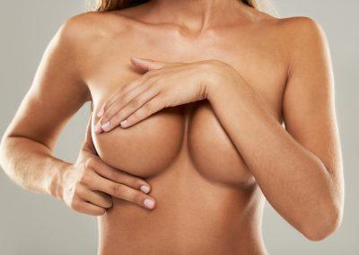 Prothèse mammaire et hypolasie des seins